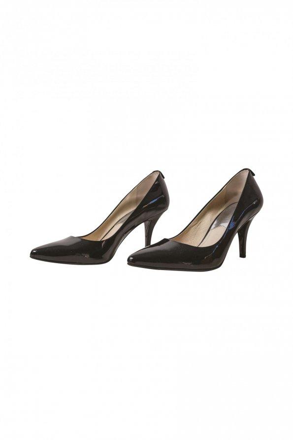 נעלי עקב לקה שחורות 1