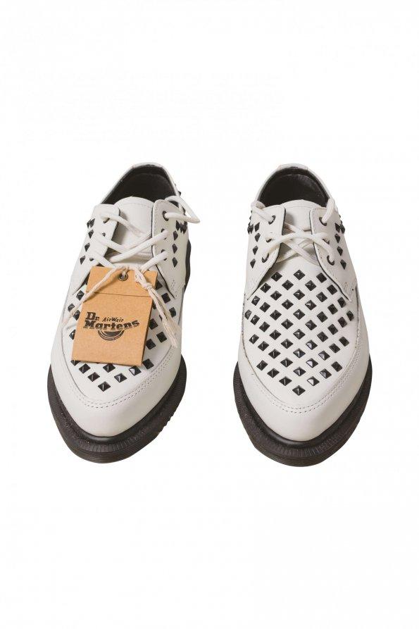 נעלי מוקסין לבנות ניטים 1