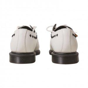 נעלי מוקסין לבנות ניטים 6
