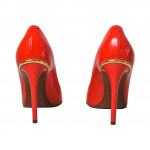 נעלי עקב אדומות לקה 7