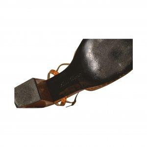 נעלי עקב חומות סנדל 4