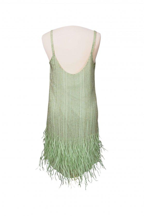 שמלה ירוקה עם נוצות וחרוזים 1