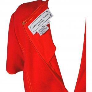 שמלה אדומה מלמלה בתחתית כיסים וכפתורי זהב 3