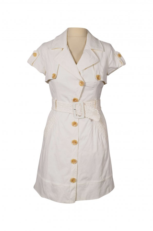 שמלה לבנה מכופתרת עם חגורה 1
