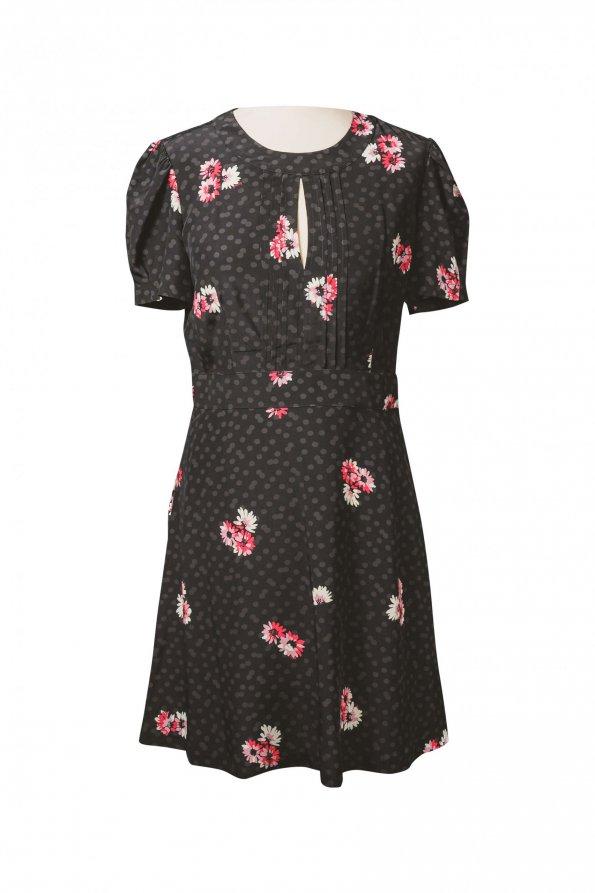 שמלה שחורה עם פרחים 1