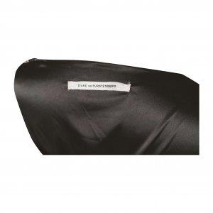 שמלת מעטפת משי שמנת שחור פרחים 3