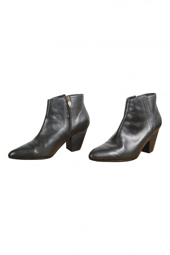 מגפיים שחורות ASH לנשים 1