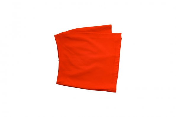 חצאית אדומה אי סימרטית 1