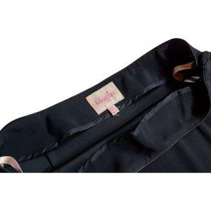 חצאית שחורה עם מלמלה בתחתית וכפתורים בצדדים 3