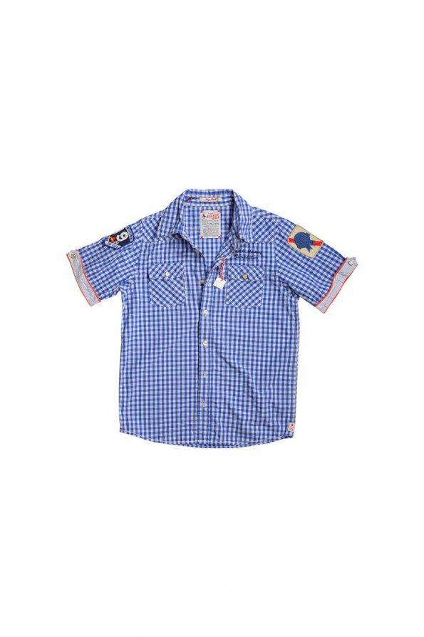 חולצה מכופתרת משבצות כחול לבן עם פאצ'ים 1