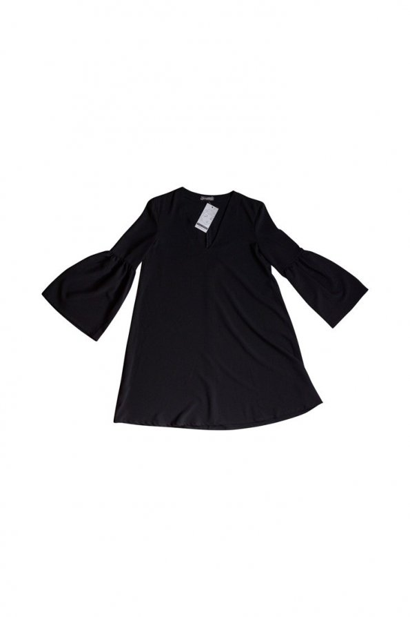 שמלה שחורה שרוולים נפוחים 1