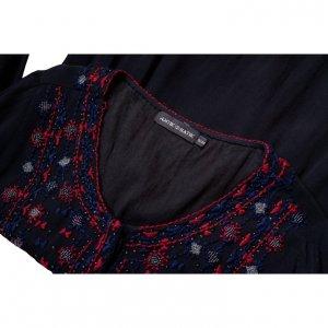 גלביה שחורה עיטורים אדום כחול כסף 3