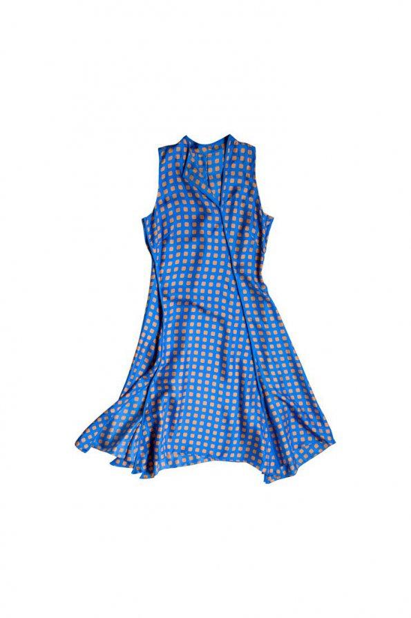 שמלה תכלת ריבועים שמנת 1
