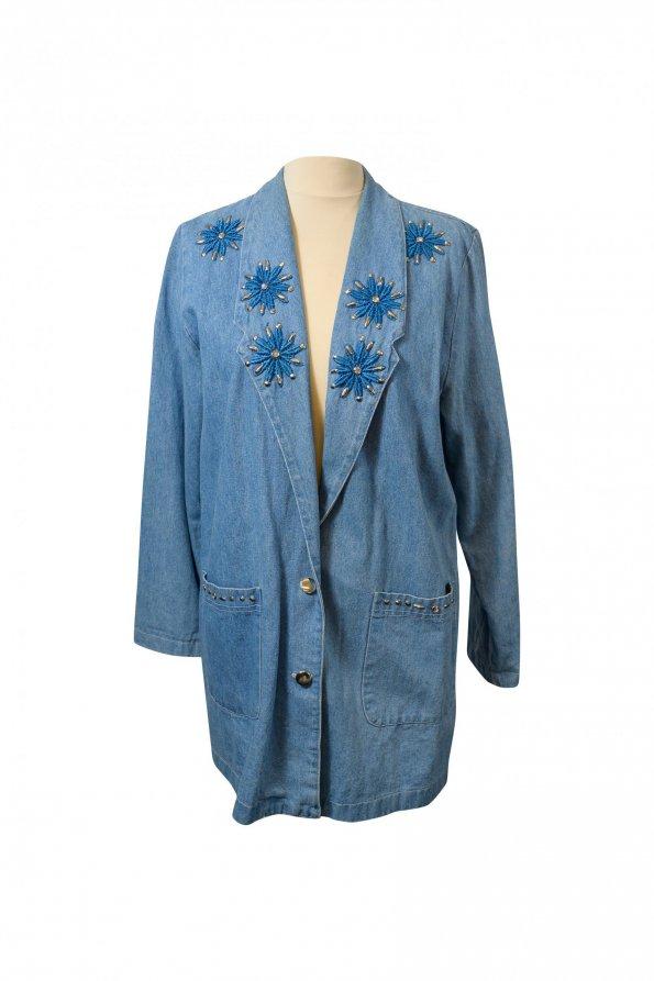 ג'קט ג'ינס מחויט עם פרחים רקומים 1