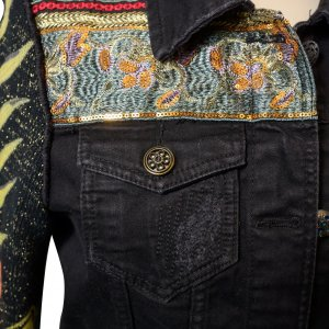 ג׳קט ג׳ינס שחור שרווליי סריג צבעוני 5