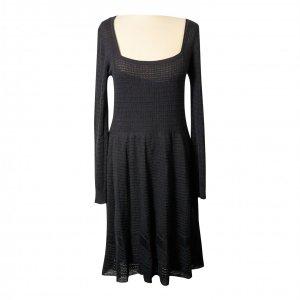 שמלה שחורה סריג 4