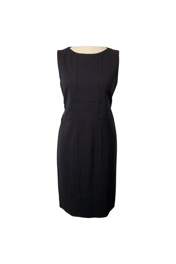 שמלה שחורה מחויטת 1