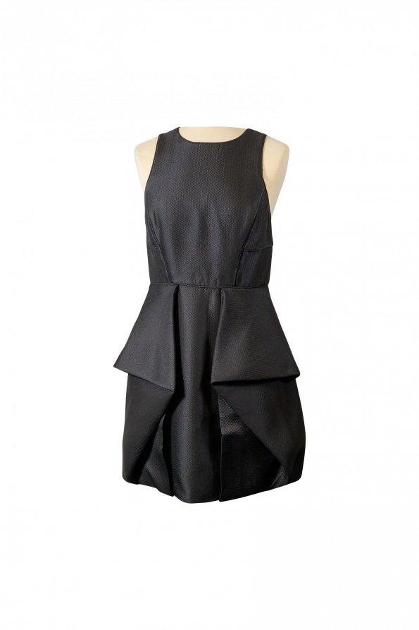 שמלה שחורה ללא שרוולים גב חשוף עם 2 שכבות מקדימה 1