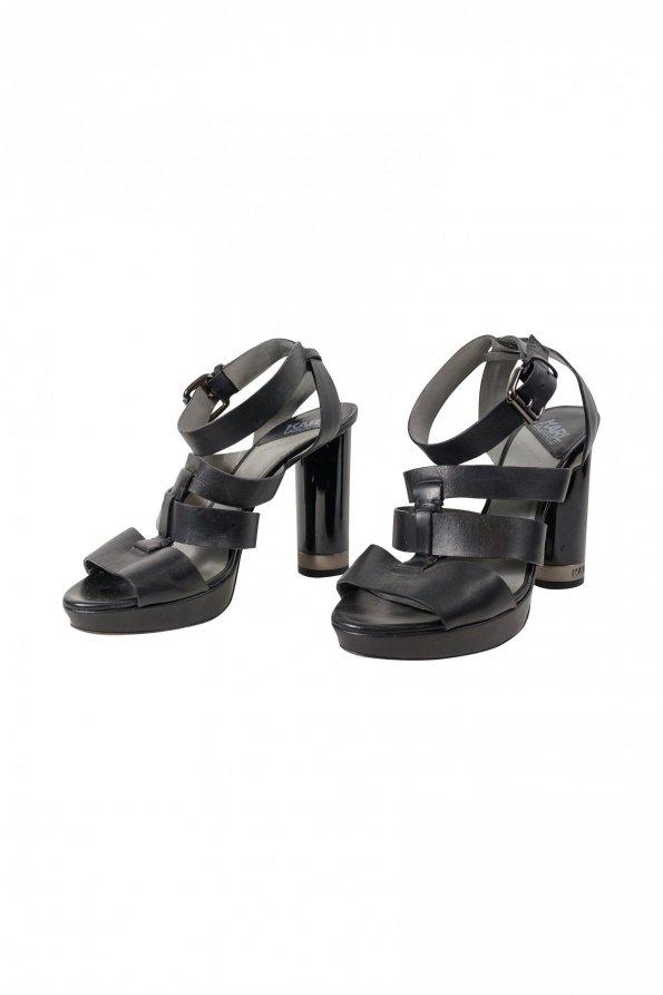 נעלי עקב שחורות 1