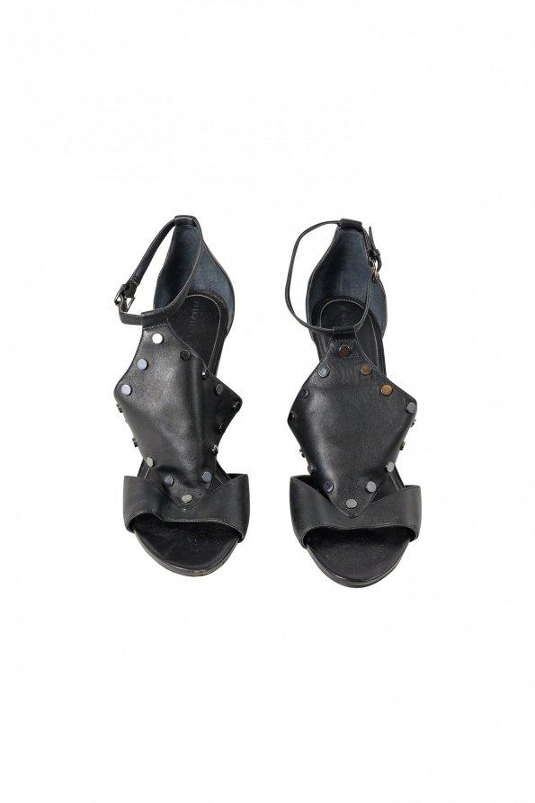 נעלי פלטפורמה שחורות ניטים 1