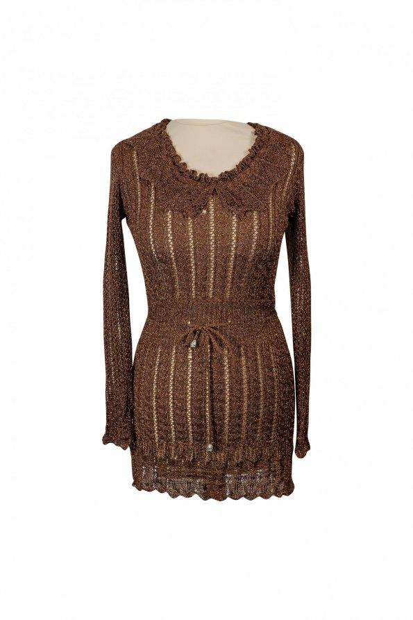 שמלת סריג חומה עם זהב  צווארון וקשירה 1
