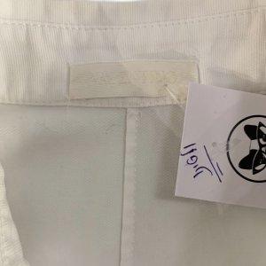 חולצה לבנה מכופתרת עם תחרה 5