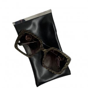 משקפי שמש מרובעות עם דוגמאת על המסגרת fendi 5