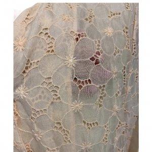 חולצה מכופתרת עם שרוול ארוך וינטאג' בדוגמת פרחים, ועם 2 כיסים קדמיים 3