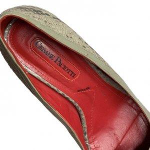 נעלי עקב עור נחש אפור עם פתח אצבע ופפיון 8