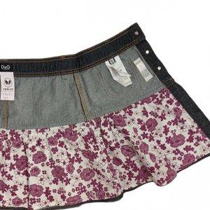 חצאית ג'ינס גזרת מיני עם פסים אדומים 5