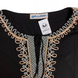 שמלה 3/4 שחורה עם עיטורי זהב וכסף בשרוולים ובחזה 4