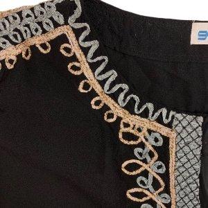 שמלה 3/4 שחורה עם עיטורי זהב וכסף בשרוולים ובחזה 5
