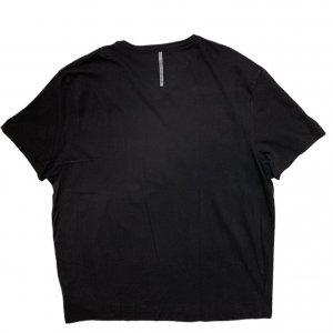 חולצה קצרה שחורה עם הדפסב ck בשחור גדול 2