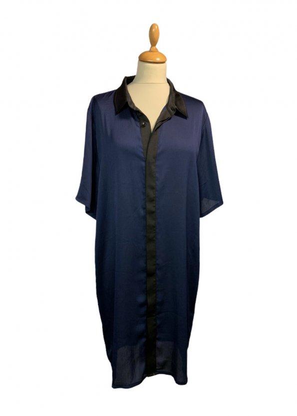 שמלה מכופתרת כחול כהה עם צאורון שחור 1