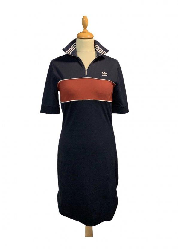 שמלה שרוול קצר כחול כהה עם פס בורדו adidas 1