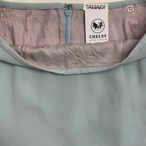 חצאית קצרה תכלת שסע מאחורה - Tahari 6