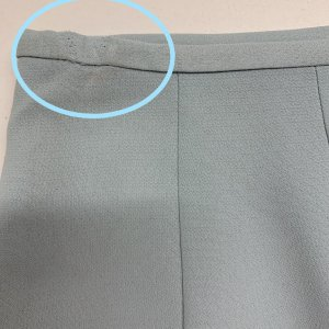 חצאית קצרה תכלת שסע מאחורה - Tahari 4