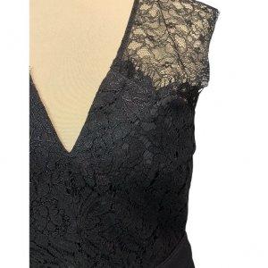 שמלה שחורה עם תחרה בחלק העליון - SET 5
