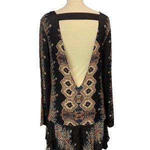 שמלה שחורה בסגנון אתני עם גב פתוח 2