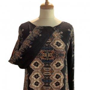 שמלה שחורה בסגנון אתני עם גב פתוח 4