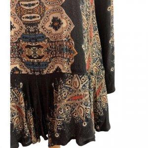 שמלה שחורה בסגנון אתני עם גב פתוח 5