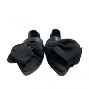 נעלי  בובה שחורות עם קשת ורצועות - 'VIC - MATIE 3