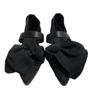 נעלי  בובה שחורות עם קשת ורצועות - 'VIC - MATIE 8