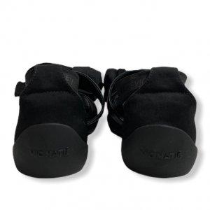נעלי  בובה שחורות עם קשת ורצועות - 'VIC - MATIE 4