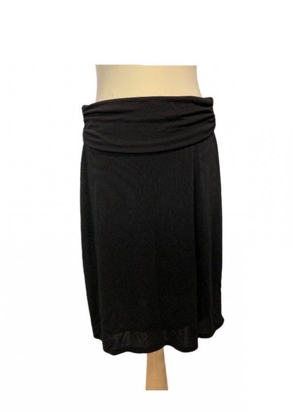 חצאית קצרה שחורה עם חגורה שחורה - DKNY 1