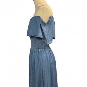 שמלת כתפיים זרוקה מבית GUESS 3