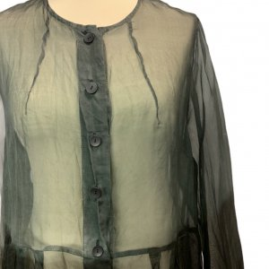 חולצה ארוכה מכופתרת שחורה מבד שקוף - Rina Zin 4