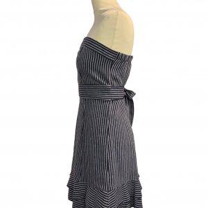 שמלת סטרפלס פסים כחול לבן עם קשירה במותן 3