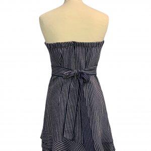 שמלת סטרפלס פסים כחול לבן עם קשירה במותן 2
