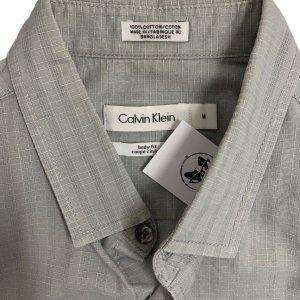 חולצה ארוכה מכופתרת אפור בהיר עם משבצות לבנות קטנות - Calvin Klein 3